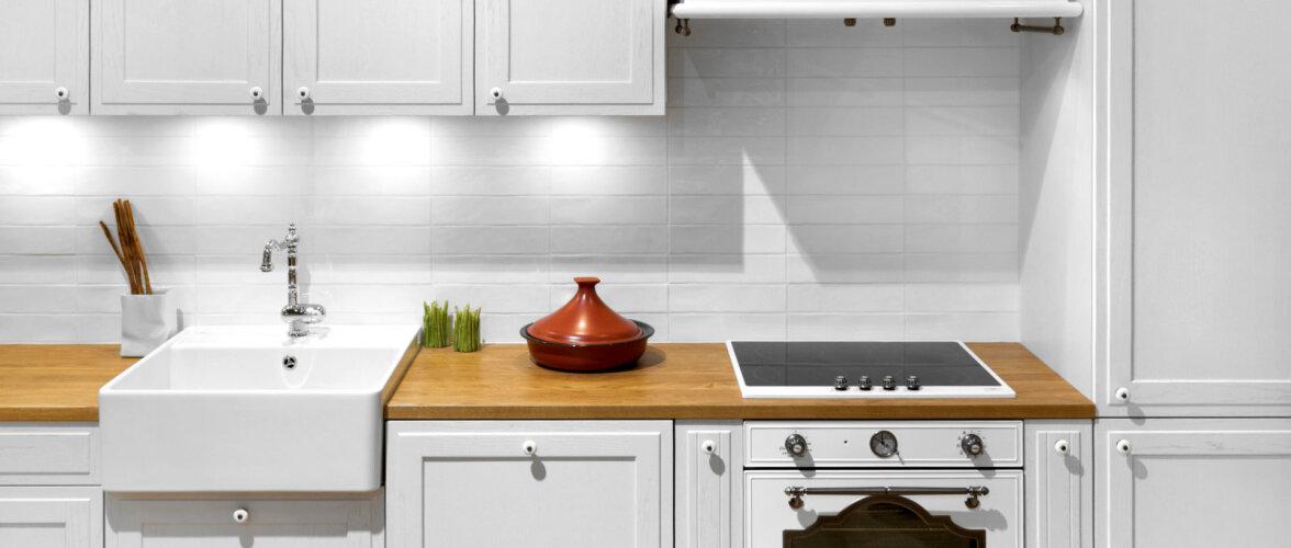 Klassikalised toonid köögis — kas valida valge või hall