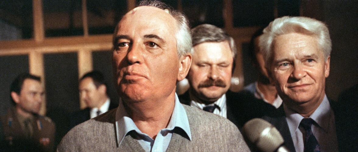 21. august 1991: riigipööre kukub läbi, KGB alampolkovnik Putin läheb erru ja kaitseminister Jazov saadab väeosad Moskvast välja