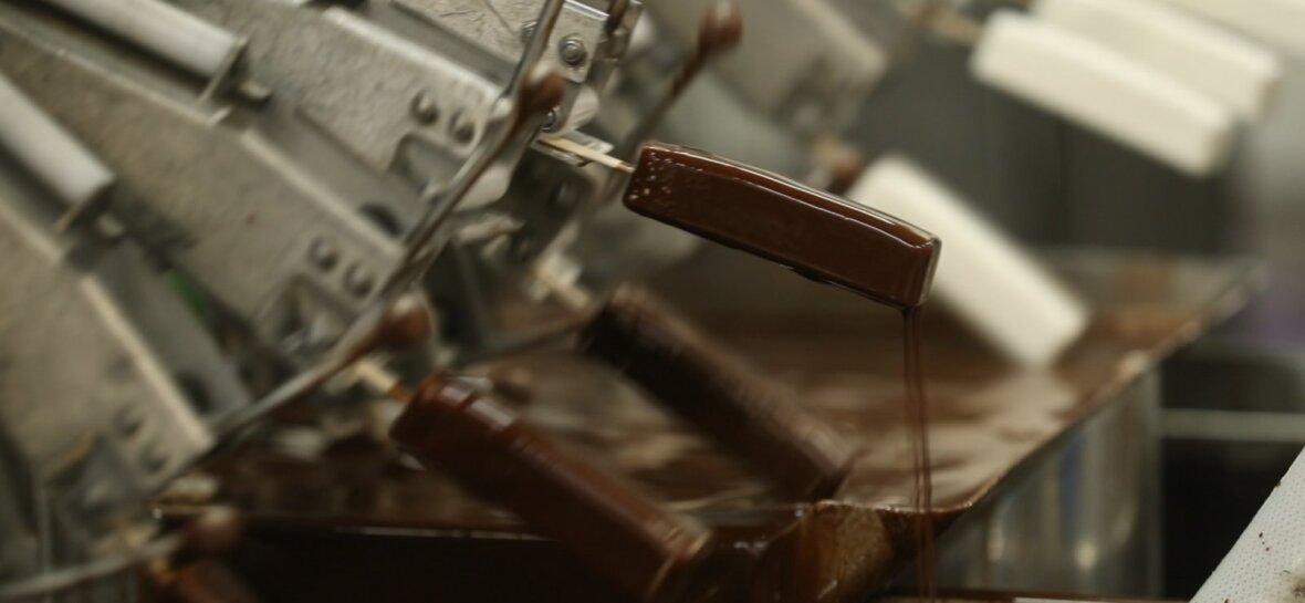Kuidas tehakse jäätist? Kuidas saab pulk jäätise sisse? Kuidas šokolaad jäätise ümber?