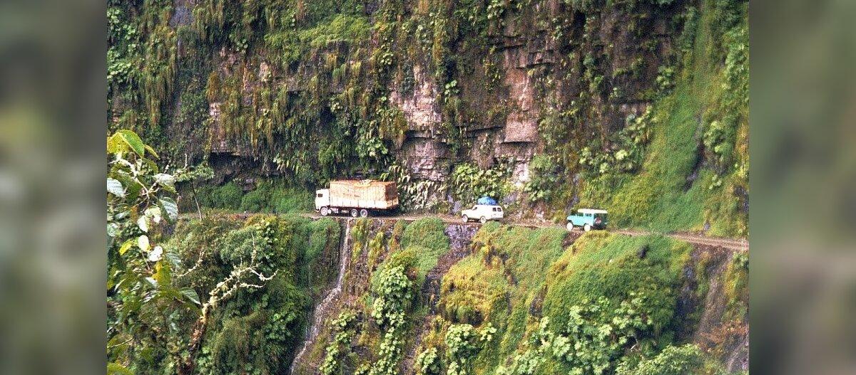VIDEO: maailma kõige ohtlikumal maanteel peab ratas tihti kuristiku serva puudutama