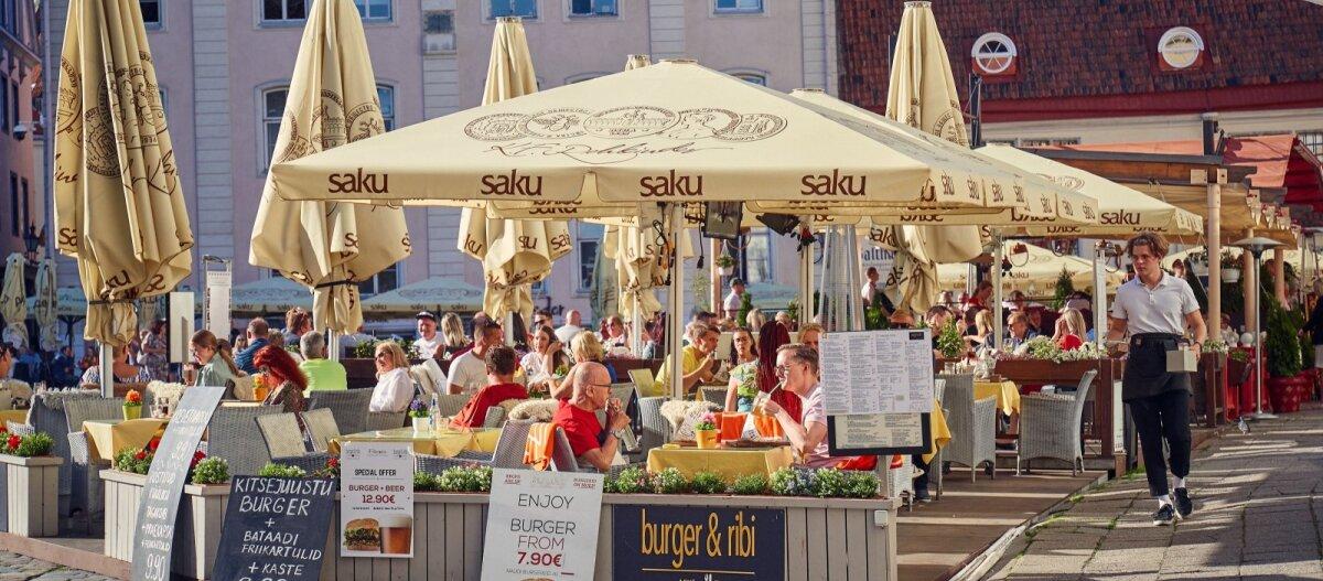 Количество иностранных путешественников увеличивается, но о восстановлении туризма в Эстонии говорить пока рано