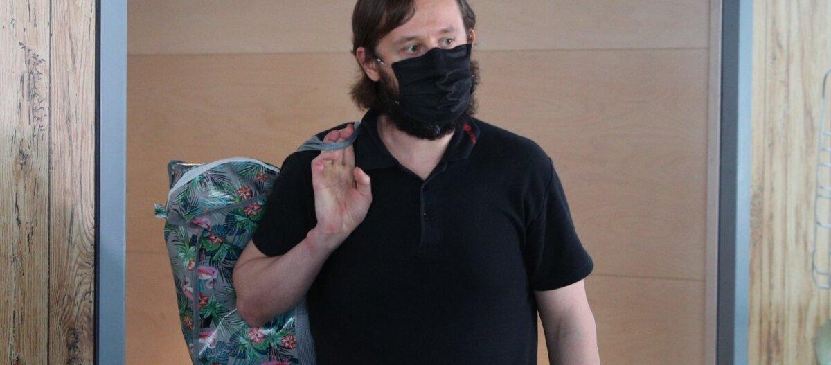 Виновата женщина: проживший сотню дней в аэропорту Роман Трофимов снова хочет на Филиппины