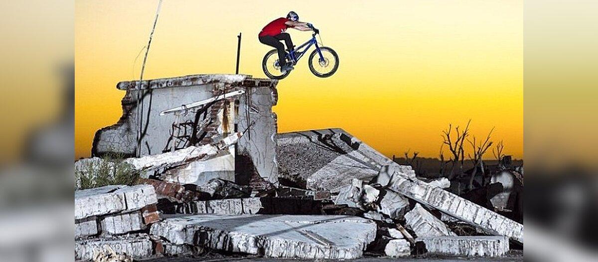 VIDEO: jalgrattaga 1985. aastal uppunud Epecuéni linnas