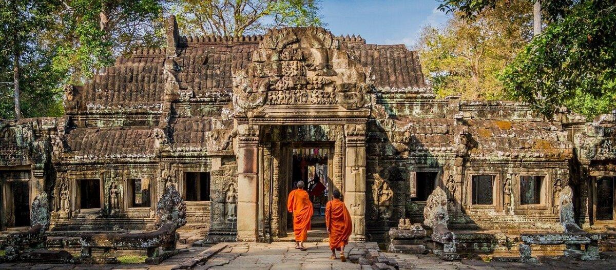 Pöidlaküüdiga Eestist Kambodžasse ja igast päevast 5 sekundit videot