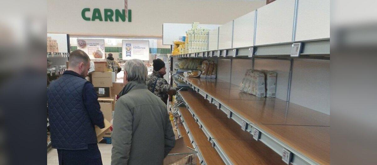 Эстонская студентка в Милане: в магазинах пустые полки, в аптеках закончились медицинские маски, все ищут