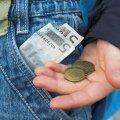 Uuring: ema aitab ikka - üle poole täisealistest saavad oma vanematelt rahalist toetust