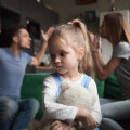 Lastekaitsespetsialist: vahel saadame hoolduspere kandidaadid esmalt hoopis paarisuhtekoolitusele