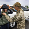 ФОТО   Премьер-министр Кая Каллас на Донбассе: безопасность Украины — это безопасность всей Европы