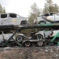 ФОТО | На шоссе Таллинн-Пярну загорелся автовоз, перевозивший машины Toyota и один люксовый Lexus