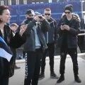 ВИДЕО | Эстонская виолончелистка Сильвия Ильвес устроила скандал на антикоронавирусном митинге