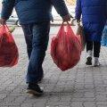 TÄNAVAKÜSITLUS | Kaubanduskeskused on rahvast pungil! Vaata, millisest kaubast kõige enam puudust tunti