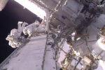 OTSEPILT KOSMOSEST: kaks astronauti uuendavad ISS-i elektrisüsteemi