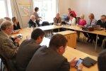 DELFI FOTOD: Keskerakonna juhatus kogunes riigikogus koosolekule, kohal on isegi Edgar Savisaar