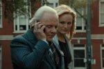 Paha rikkur Anthony Hopkinsi kehastuses koos oma pruudiga, keda kehastab Malin Åkerman.
