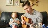 VIDEO: Vau, milline andekas tüdruk! Imearmas isa ja tütre duett teeb südame soojaks