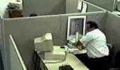 Naljakas VIDEO | Kas nii siis võib? Kõige jaburamad kontorivideod, mida oled eales näinud?