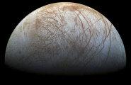 NASA: Jupiteri kuu Europa pinnast purskub vett paarisaja kilomeetri kõrguste jugadena