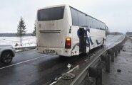 FOTOD: Narva Transi buss sattus Leningradi oblastis avariisse