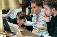 Timothy Tamm (vasakul) õpib Harvardi ülikoolis arvutitehnikat, mille kõige huvitavamaks tahuks peab tehisintellekti arengut.