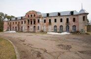 Narva-Jõesuu laguneva kuursaali omanik põhjendab investeeringute toppamist sõjahirmuga