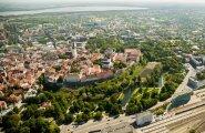 Lätlaste saamatus korruptsiooni ohjeldamisel paneb Eesti pangad kannatama