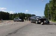 DELFI FOTOD: Tartu lähedal põrkasid kokku kaks sõiduautot