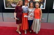 """Filmi """"Ema"""" naiskond Tribeca lõputseremoonial: (vasakult) režissöör Kadri Kõusaar, peaosatäitja Tiina Mälberg, produtsent Aet Laigu ja stsenarist Leana Jalukse"""