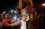 Ankara inimesed tulid 16. juulil tänavatele sõjaväelist riigipööret ära hoidma.
