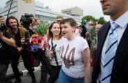 ФОТО: Самолет с Надеждой Савченко приземлился в Киеве, а с Ерофеевым и Александровым — в Москве