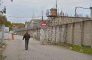FOTOD SÜNDMUSKOHALT: Lõhkusid aknatrellid ja kasutasid tellinguid: Tallinna vanglast põgenes kaks vahistatut