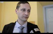 ФОТО и ВИДЕО DELFI: Скандально прославившийся депутат Дмитриев пока продолжит работу в Рийгикогу