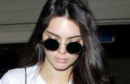 FOTOD: Modell Kendall Jenner patseeris lennujaamas rinnahoidja väel