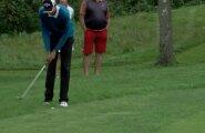 VIDEO: Saatuslik hetk, mis otsustas golfikulla - vaata lööki, kus Carl Hellat tunnistas ise topeltpuudet ja loovutas seega tiitli!