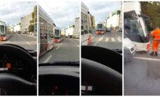 ВИДЕО: На Пярнуском шоссе трамвай столкнулся с микроавтобусом