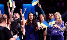 """Порошенко и Яценюк поздравили украинскую певицу Джамалу с победой на """"Евровидении"""""""