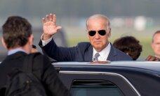 DELFI FOTOD LÄTIST: Baltimaade presidentidega kohtuma tulnud USA asepresident Joe Biden maandus üliturvatud Riia lennuväljal