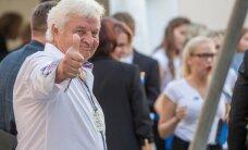 MEELEOLUKAS GALERII: Toompea kontserdi avas Singer Vinger, rõdul lustisid õed Ilvesed
