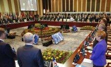ФОТО: Европейские и азиатские лидеры на саммите почтили память жертв теракта в Ницце