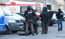 Politsei harjutab kurjategijate otsimist maastikul