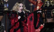 VIDEO: Pariisi sündmustest murtud Madonna tihkus Rootsi kontserdil nutta
