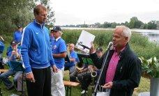 FOTOD: Olümpiasõudjate tänuüritusel Pärnus maiustati hiigeltordi kallal