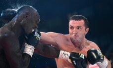 Боксеру Денису Лебедеву не разрешили успокоить дебошира в самолете