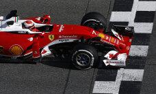 Kimi Räikkonen oli Hiina GP teise vabatreeningu kiireim
