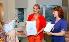 ФОТО: Ида-Вируская центральная больница отметила пятисотые роды в уходящем году