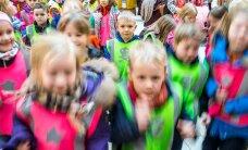 HITTVIDEO ja FOTOD: Tõeline mudilasreiv! Meisterjaani parmupillimäng ajas lapsed täiesti pöördesse