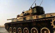 Mässulised hõivasid Türgi tankide toel ISIS-elt Süüria linna, Biden käskis kurdidel taanduda