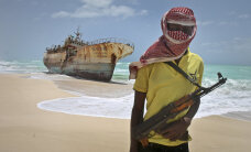 Африканские пираты освободили судно у берегов Бенина, но оставили в заложниках троих россиян