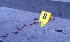 DELFI FOTOD: Sirbi trammipeatuses olid verised mehed