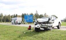 Raske päev liikluses: üheksas õnnetuses sai vigastada 12 inimest, kelle hulgas ka väiksed lapsed