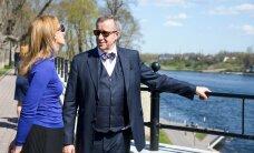 ФОТО DELFI: Ильвесы завершили визит в Нарву романтической прогулкой по променаду